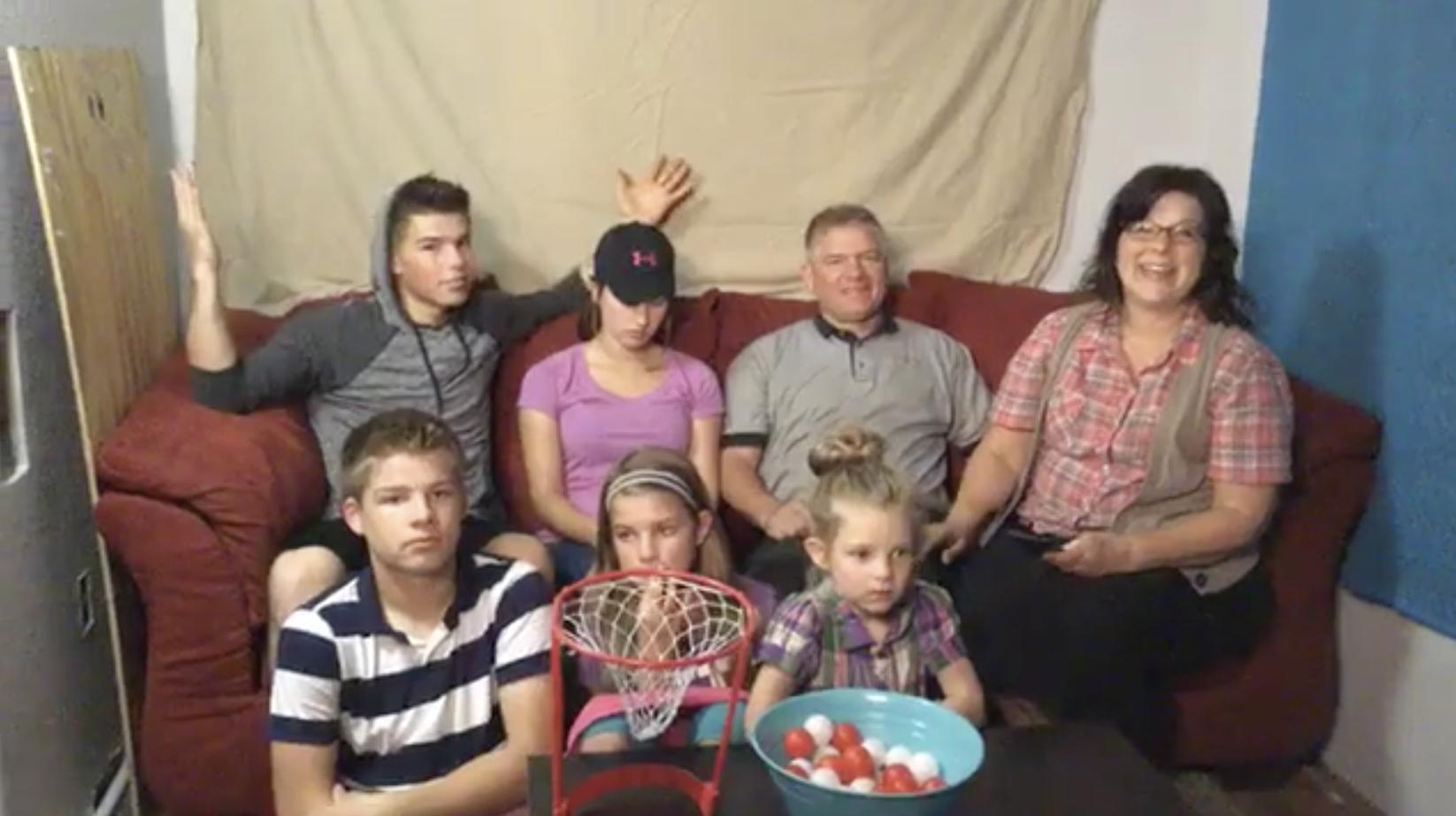 Bates Family Live Carlin And Evan