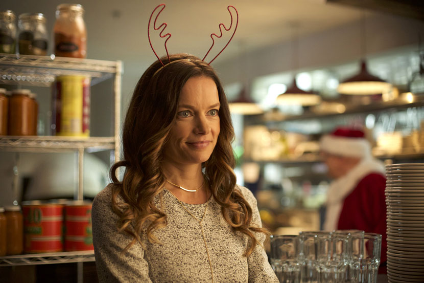 Christmas on Holly Lane movie