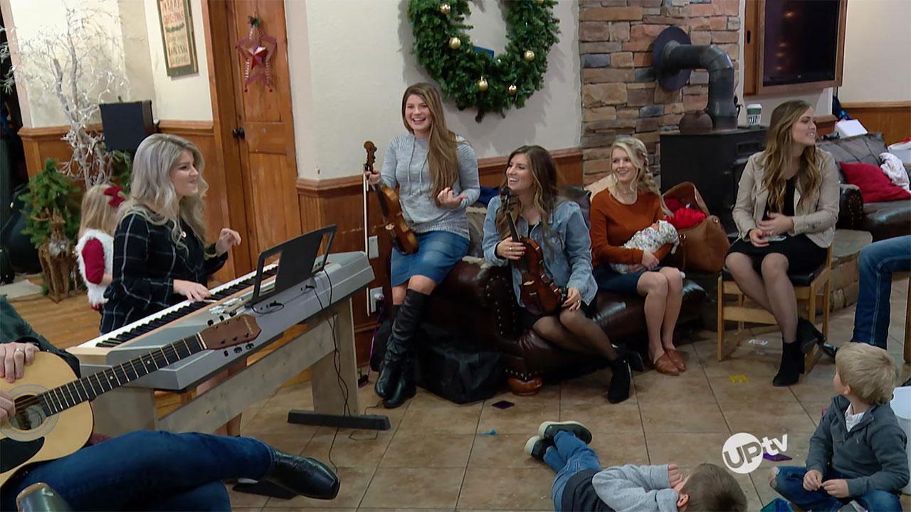 Bringing Up Bates - Bringing Up Bates – Christmas Carol Chaos