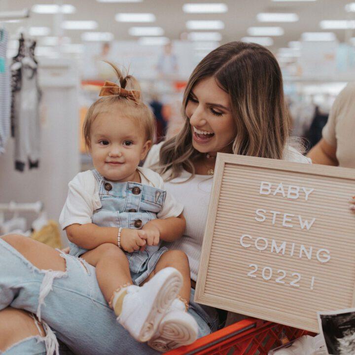 Carlin Bates and Evan Stewart are Pregnant with Baby #2 - PHOTO CREDIT: Darian Kaia Photography